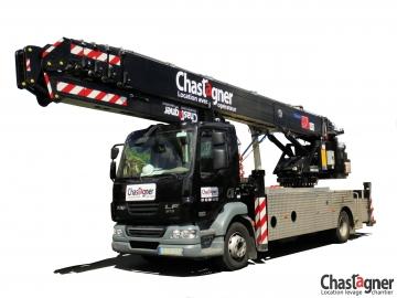Camion grue 46 m avec opérateur