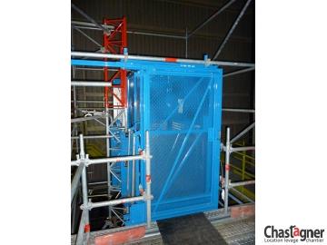 Porte coulissante pour ascenseurs de chantier 800 kg